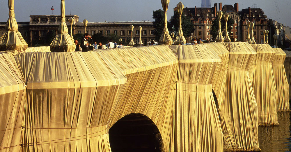 The Pont Neuf Wrapped, Paris, 1975-85, 40,876 m² (454,178 ft²) of woven polyamide fabric and 13 kilometers (8 miles) of rope.