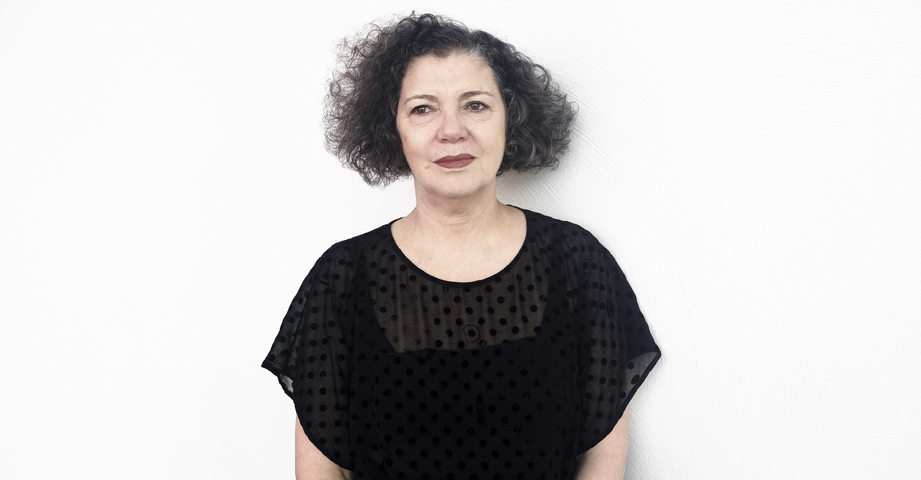 mona hatoum essay Mona hatoum was born in beirut to palestinian family in 1952 she lives in london in the late 1980s she began to make installations and sculptures in a wide range of materials these often use the grid or geometric forms to reference to systems of control within society she has made a number of.