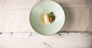 Walnut meringue, 21 day kefir, pear in camomile, forest honey, pollen ice cream